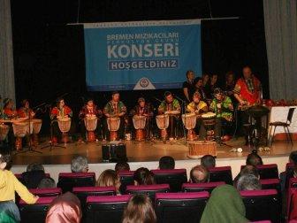 Trabzon'da Down Sendromlu ve Otizmli Gençlerden Muhteşem Konser