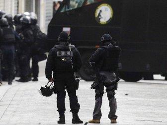 Fransa'da Liseye Silahlı Saldırı : Yaralılar var