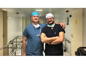 Beyin Cerrahı Kardeşler Şifa Dağıtıyor