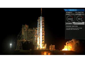 Falcon 9 Roketi Yeni Misyonu İçin Uzaya Fırlatıldı