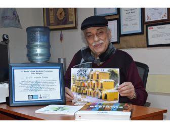Ahmet Esmer'e Özel Karikatür Ödülü