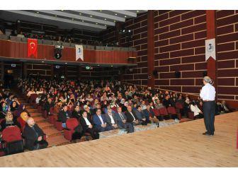 """Akşehir'de """"Aile Ve Gençlik Eğitimi"""" Konferansı"""