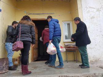 Yıldızeli'nde İhtiyaç Sahibi Ailelere Gıda Yardımı