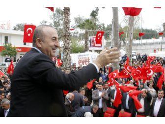 """Bakan Çavuşoğlu: """"Benim Oradaki Vatandaşlarıma İkinci Seviye Muamele Yapamazsın"""""""