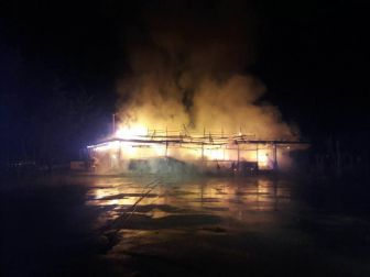 Kavak'ta Belediye Sosyal Tesisleri Alevlere Teslim Oldu