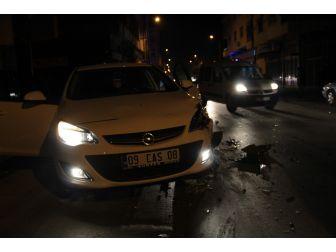 Alkollü Sürücü 6 Araca Çarptıktan Sonra Yakalandı