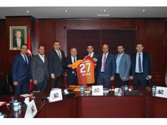 Galatasaraylılar Derneğinden Başkan Hıdıroğlu'na Ziyaret