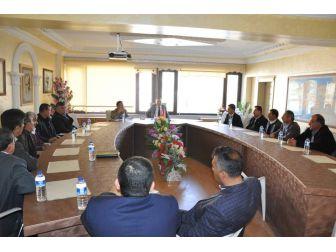 Gölbaşı'nda Köy Muhtarlarıyla Toplantı Yapıldı