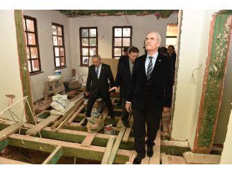 Tarihi Okul Binası Büyükşehir İle Yenileniyor