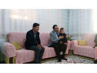 Kaymakam Çelik'ten, Fırat Simpil'in Ailesine Ziyaret