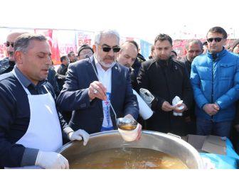 Sivas'ta Hoşaf Dağıtıldı