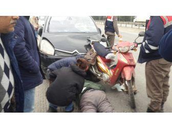 Otomobil Motosikletliye Arkadan Çarpı: 1 Yaralı
