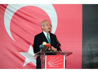 Chp Lideri Kılıçdaroğlu İstanbul'da Muhtarlarla Bir Araya Geldi