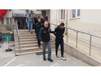 Bursa'da Adliyeye Sevk Edilen 3 Uyuşturucu Satıcısı Tutuklandı
