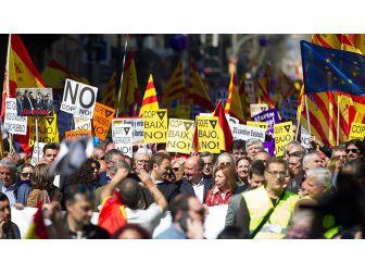 Barcelona'da Bağımsızlık Karşıtı Gösteri
