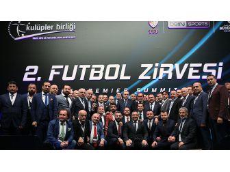 Futbolun Zirvesi İstanbul'da Buluştu