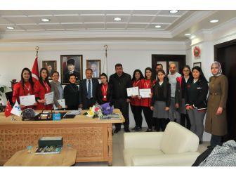 Gümüş Madalya Kazanan Ekipten Başkan Akkaya'ya Ziyaret