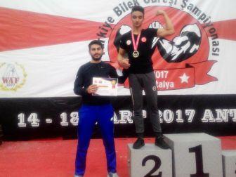 Kütahyalı Bilek Güreşi Sporcusu Burak Öztürk, Türkiye İkincisi Oldu