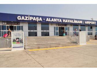 Gazipaşa-alanya Havalimanı Turiste Hasret