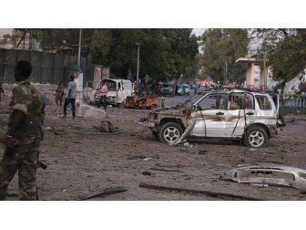 Somali'de Bomba Yüklü Araçla Saldırı: 8 Ölü, 10 Yaralı
