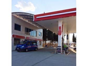 Besni'de Petrol İstasyonundan Para Çalan Hırsız Yakalandı