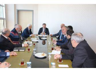 Başkan Yemenici Mahalle Muhtarlarıyla İstişare Toplantısı Yaptı