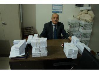 Referandum Seçmen Kağıtları Dağıtılıyor
