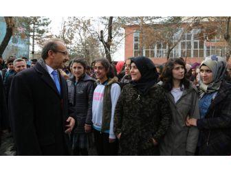 Vali Yavuz'dan Muşlu Gençlere Mektup