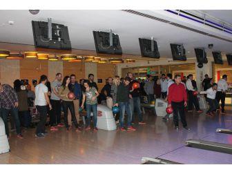 Uedaş Çalışanları Bowling İle Stres Attı
