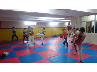 Bozüyük'te Çocuklar Sporla Buluşuyor, Sağlıklı Nesiller Yetişiyor