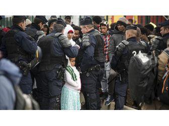 Fransa'da 'Sığınmacılara Yemek Dağıtımı Yasağı' İptal Edildi