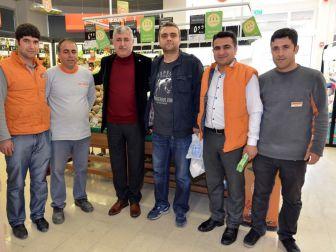 Başkan Polat, Fahri Kayahan Bulvarındaki Esnafları Ziyaret Etti