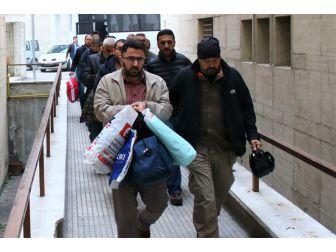 Bursa'da Fetö/pdy Üyesi 10 Eski Vergi Dairesi Çalışanı Adliyeye Sevk Edildi