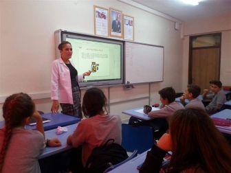 Okullarda Akılcı İlaç Kullanımı Anlatılıyor
