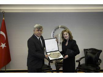 Slovakya Büyükelçisi, Büyükşehir Belediyesi'ni Ziyaret Etti