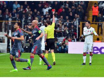 Uefa, Aboubakar'ı 3 Maç İle Cezalandırdı