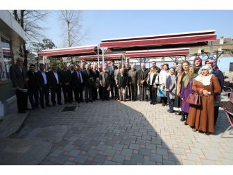 Akyazı'da Yaşlılar Haftası Kutlandı