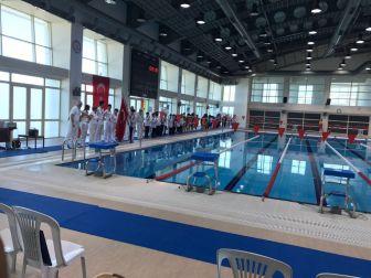 Yüzme Müsabakaları Beü'de Yapıldı
