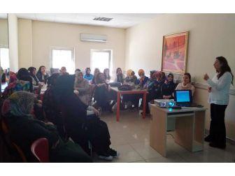 Saraylı Hanımlara Aile İçi İletişim Anlatıldı