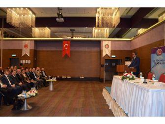 """""""Cumhurbaşkanlığı Ve Yeni Hükümet Sistemi İle Güncel Ekonomik Gelişmeler"""" Toplantısı"""