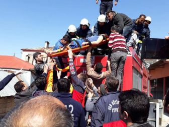 Van, Tuşba'da Elektrik Akımına Kapılan Genç Hastaneye Kaldırıldı