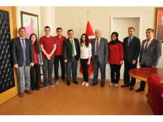 Simav Gençlik Merkezi, 'Solo O Ses Yarışması Ve Şiir Okuma Yarışması'nda İl Birincisi Oldu