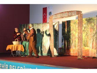 Alaşehir'de Tiyatro Şenliği