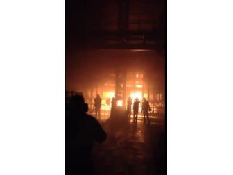 Cam Fabrikasında Büyük Yangın