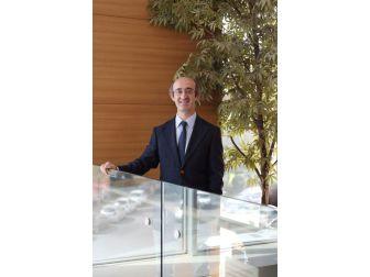 Op. Dr. Celep, Şartlara Göre En Doğru Doğum Yönetimini Açıkladı