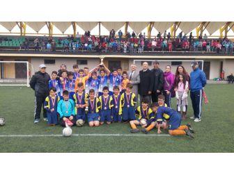 Atatürk Ortaokulu Futbol Takımından İl Birinciliği
