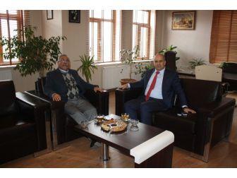 Emniyet Müdürü Artunay, Uçhisar Belediye Başkanı Karaaslan'ı Ziyaret Etti
