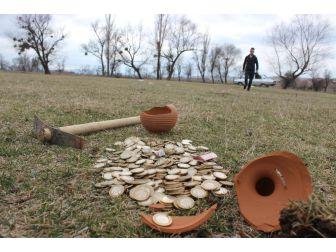 Genç Arkeolog, Gerçek Defineyi Filmde Buldu