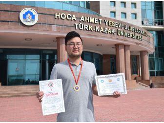 Kırgızistan Bilimler Akademisinden Ahmet Yesevi Üniversitesine Birincilik Ödülü