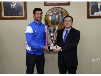 Başarılı Sporculardan Rektör Prof. Dr. Kızılay'a Ziyaret